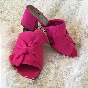 🆕{worthington} Pink Bow Heeled Mules